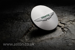 DB9 Wheel Centre Cap Set - Genuine Aston Martin - 6G33-1A096-AB-PK (HY531A096BAPK)