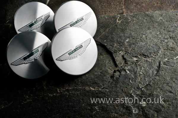 DB9 Wheel Centre Cap Set - Genuine Aston Martin