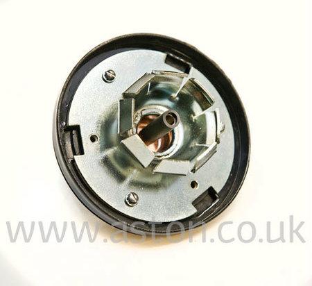 DB4/5/6 Horn Push Assy - AWP036