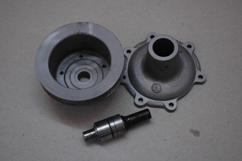 DB2/4 MKIII Water Pump Body & Pulley - Used / Body & Pulley.