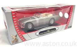 Aston Martin DB2/4 MKIII 1:18 Scale - 9278852